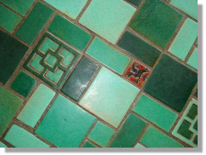Mueller Mosaic Floor Tiles With A 3x3 Flint Faience Decorative Insert